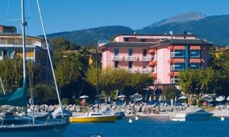 KRISS HOTEL: BARDOLINO AL TOP