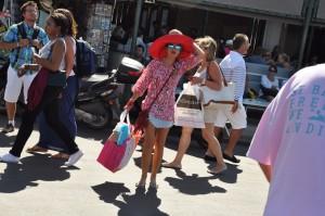 Minigonna a Saint-Tropez
